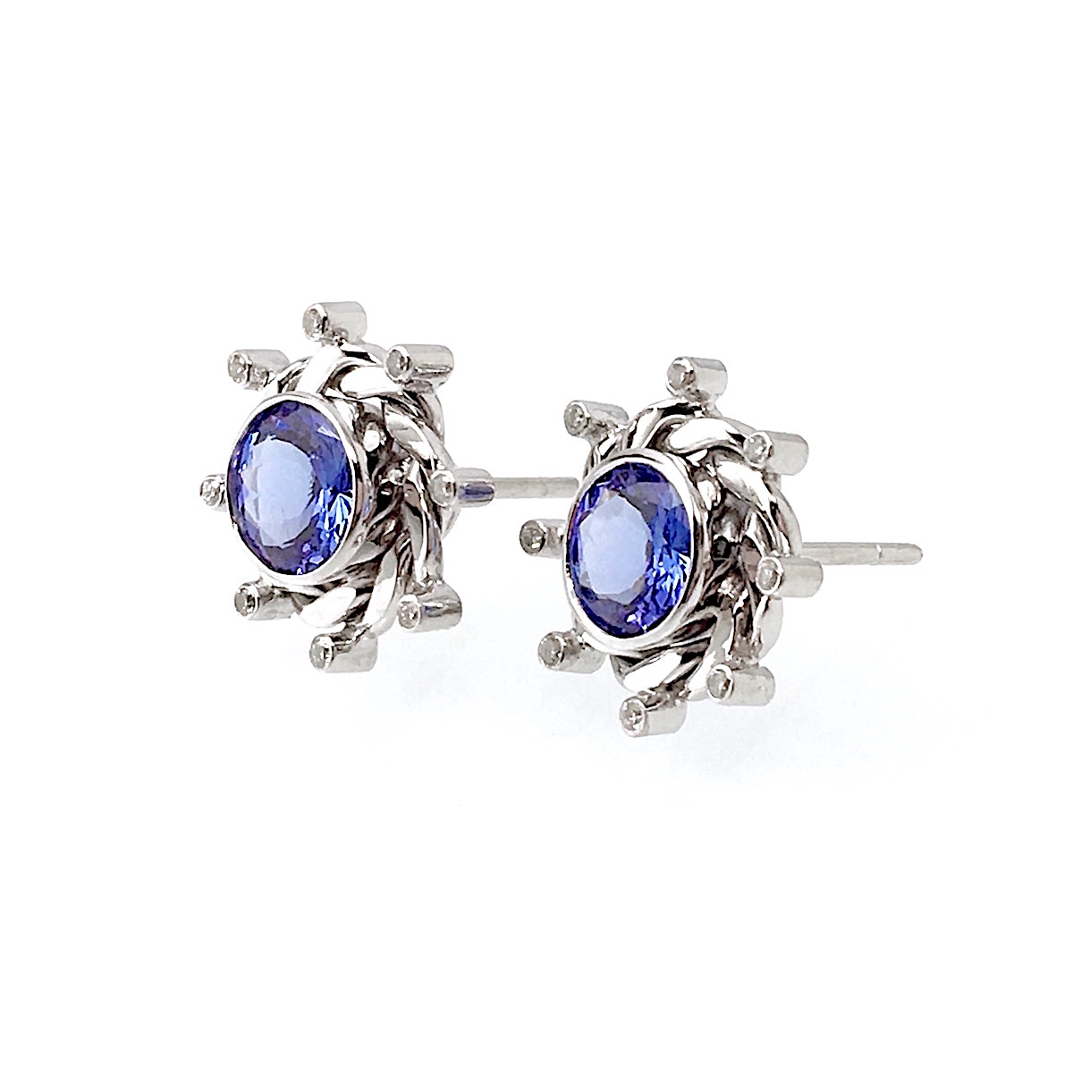 18k White Gold Infinity Twist Diamond Tanzanite Stud Earrings