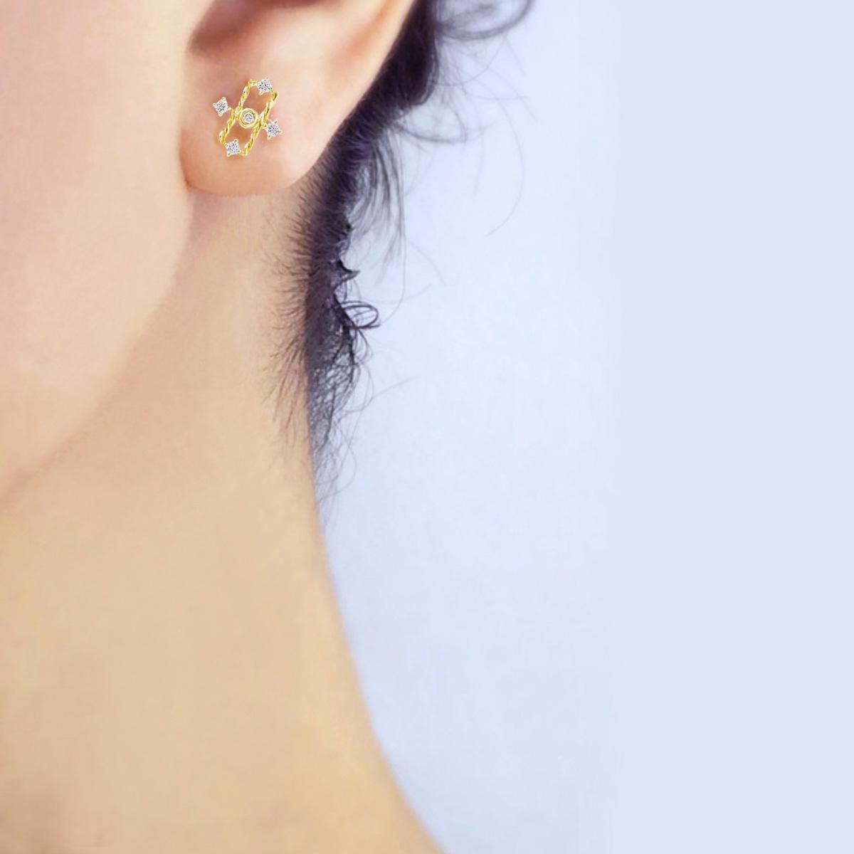 18k-Diamond-Mix-Setting-Five-Star-Twist-Stud_Earrings-JeweLyrie-Tulle-Collectio-TAT-E-08L-copy