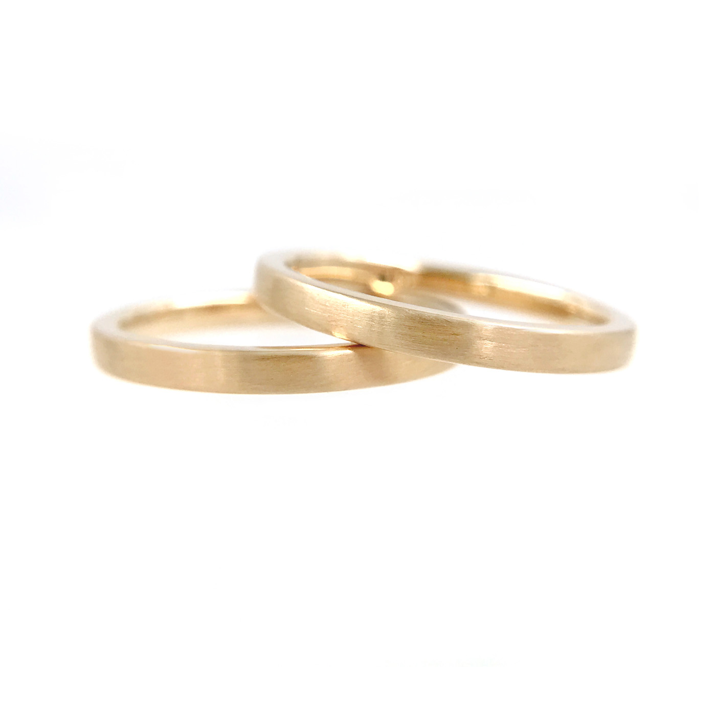 44Chic-square-2mm-Satin-Gold-Band-Ring-Guard-Spacer-14k-18k_7816