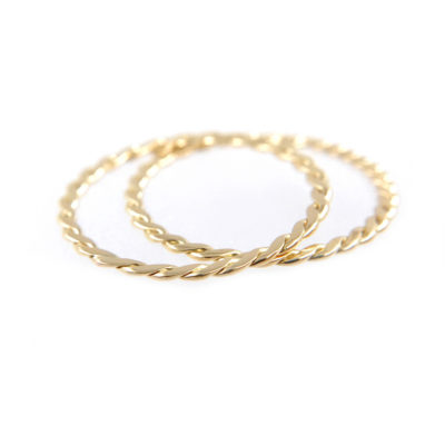 50JeweLyrie-Signature-Gold-Slim-Twist-0.8mm-band-Ring-Guard-Spacer_7936