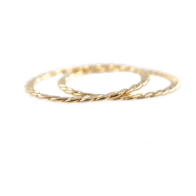 51-JeweLyrie-Signature-Gold-Slim-Twist-0.8mm-band-Ring-Guard-Spacer_7938