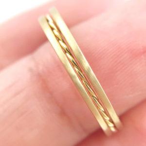 PIROUETTE-42.50.42-Slim-Twist-Satin-Stripe-Band-Three-Ring-Stacking-014k-18k-JeweLyrie_7980