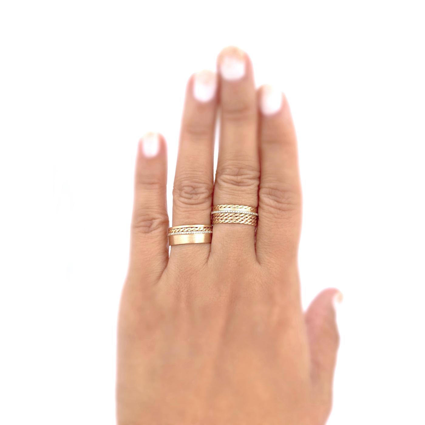 18k-gold-twist-mesh-textured-pave-diamond-cigar-band-EFCR-02-03