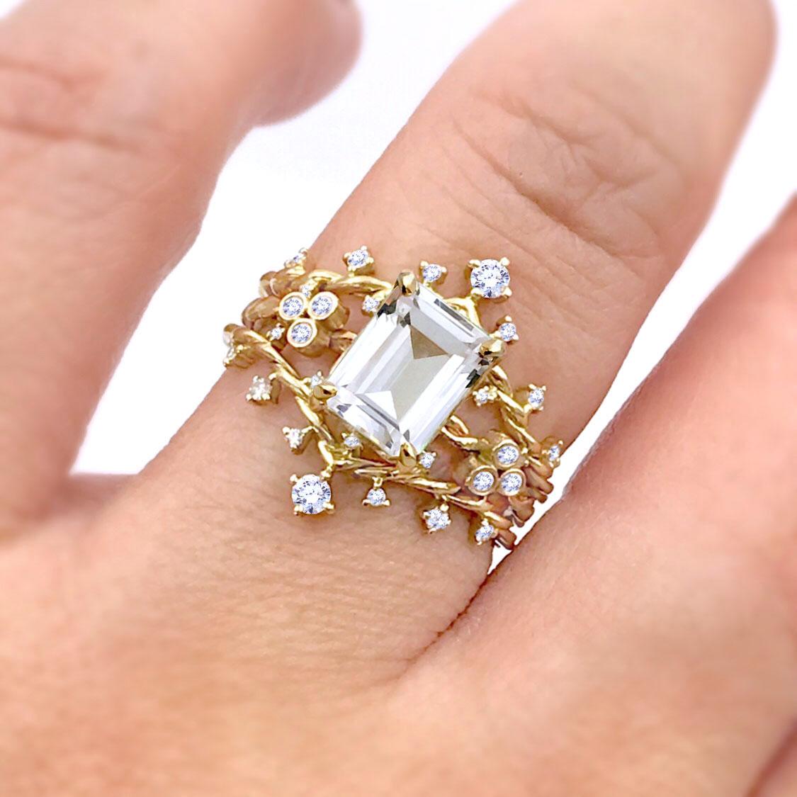 Emerald-Gemstone-White-Topaz-twist-ring copy